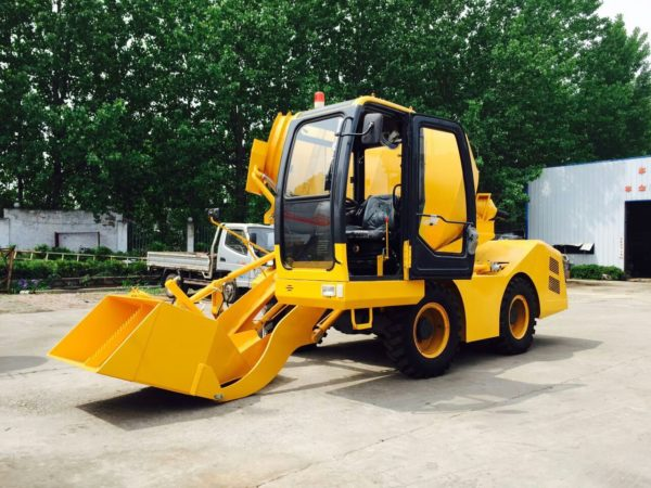 self loading concrete mixer (15)