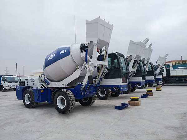 3.2 self-loading mobile concrete mixer